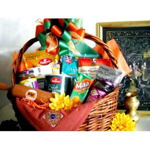 Chandni Chowk Indian Food Gift Basket Gift Basket Blessings Food Gift Baskets Indian Food Recipes Food Gifts