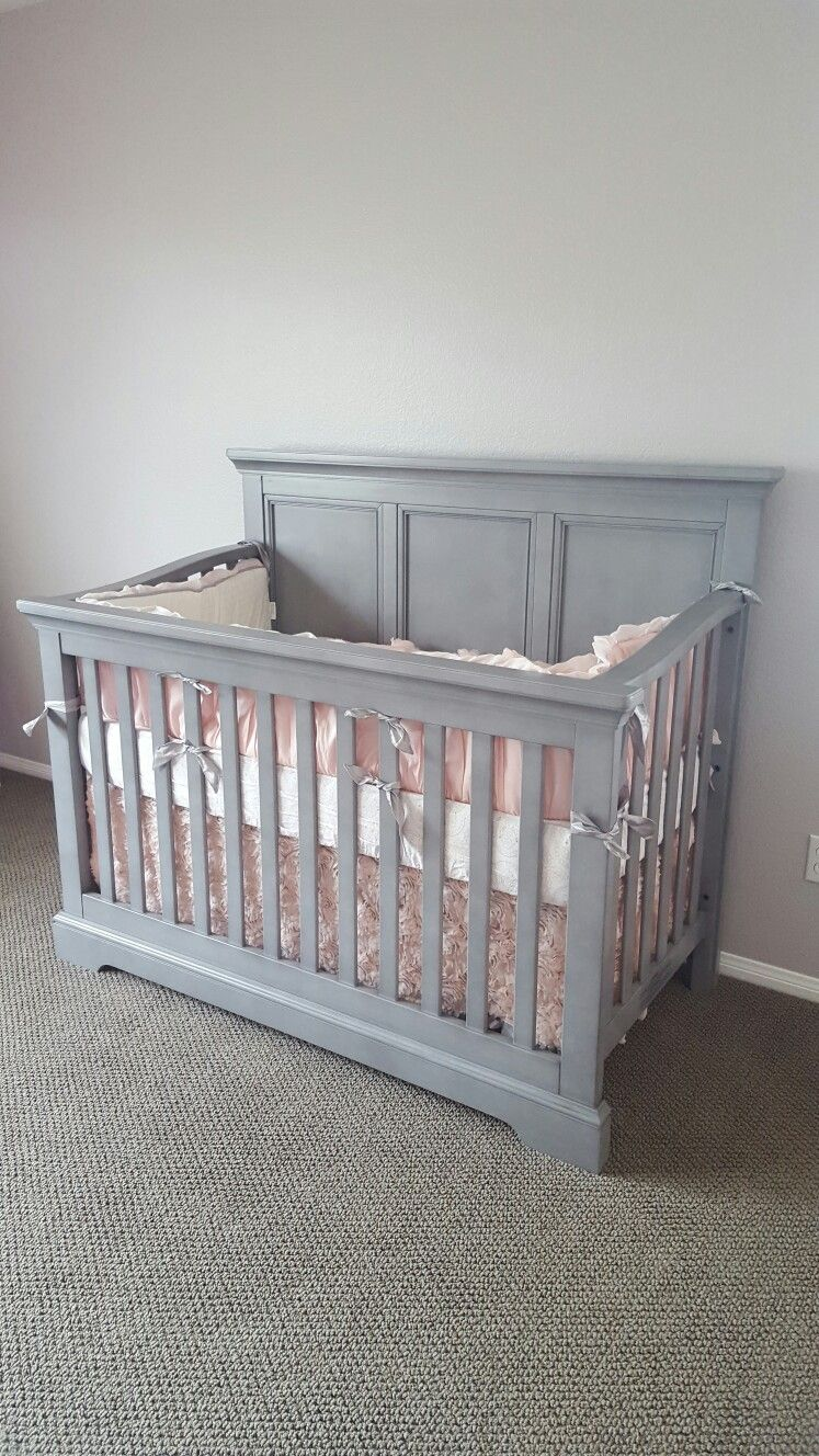 Westwood Hanley Crib In Cloud Arianna Bedding