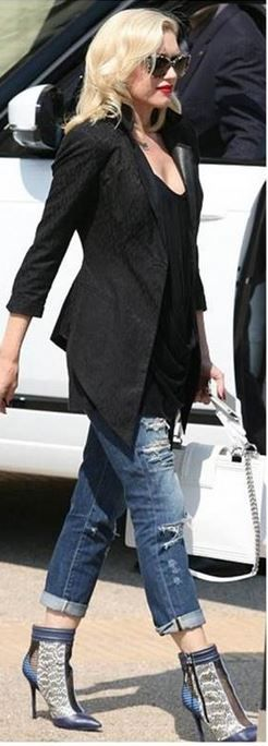 Gwen Stefani: Purse – Chanel Sunglasses – Stella McCartney Shoes – L.A.M.B. Jeans – James