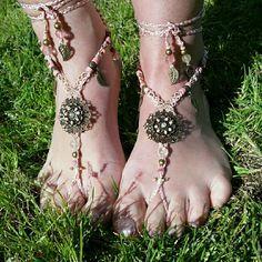 Bijoux de pieds en macramé, barefoot sandales, bracelet de cheville rose nude