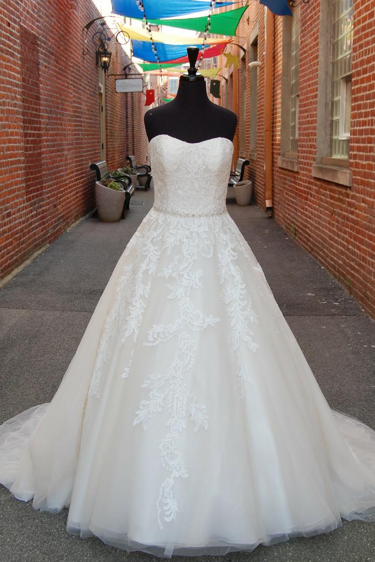 Pearl belt for wedding dress  Lace  Ivory  Beaded  Belt  Ballgown  Tulle weddingdress
