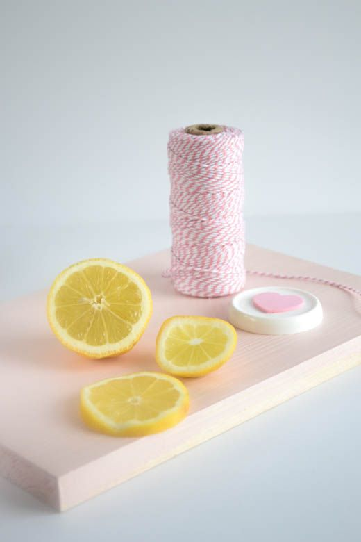 DIY lemon hand lotion
