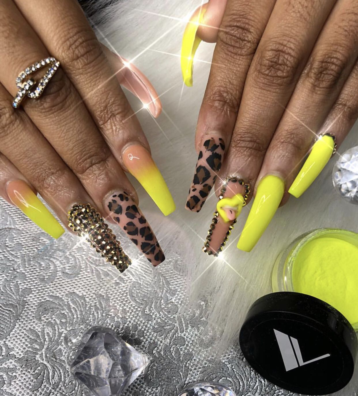 Pinterest Shesoglorious Nails Design With Rhinestones Nail Designs Long Acrylic Nails