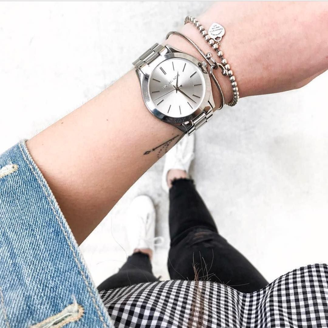 16de5c4e Style is eternal. ☝🏼 Spana in våra snygga stilrena klockor från ...