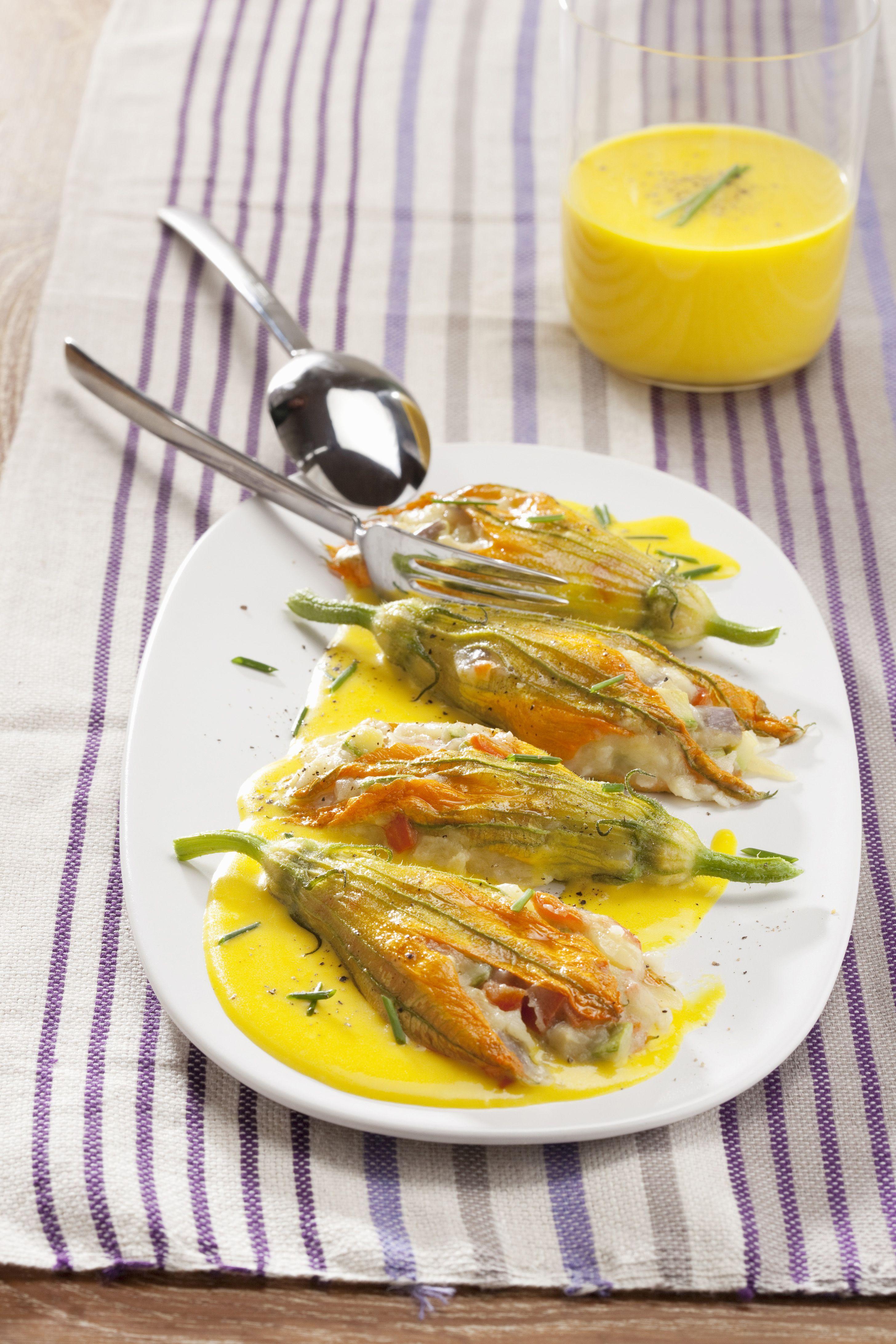 Fiori di zucca farciti con salsa delicata - Scuola di cucina ...