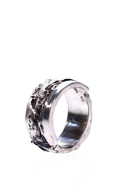 Oxidised 925 silver bark ring from Holzpuppe at unconventional