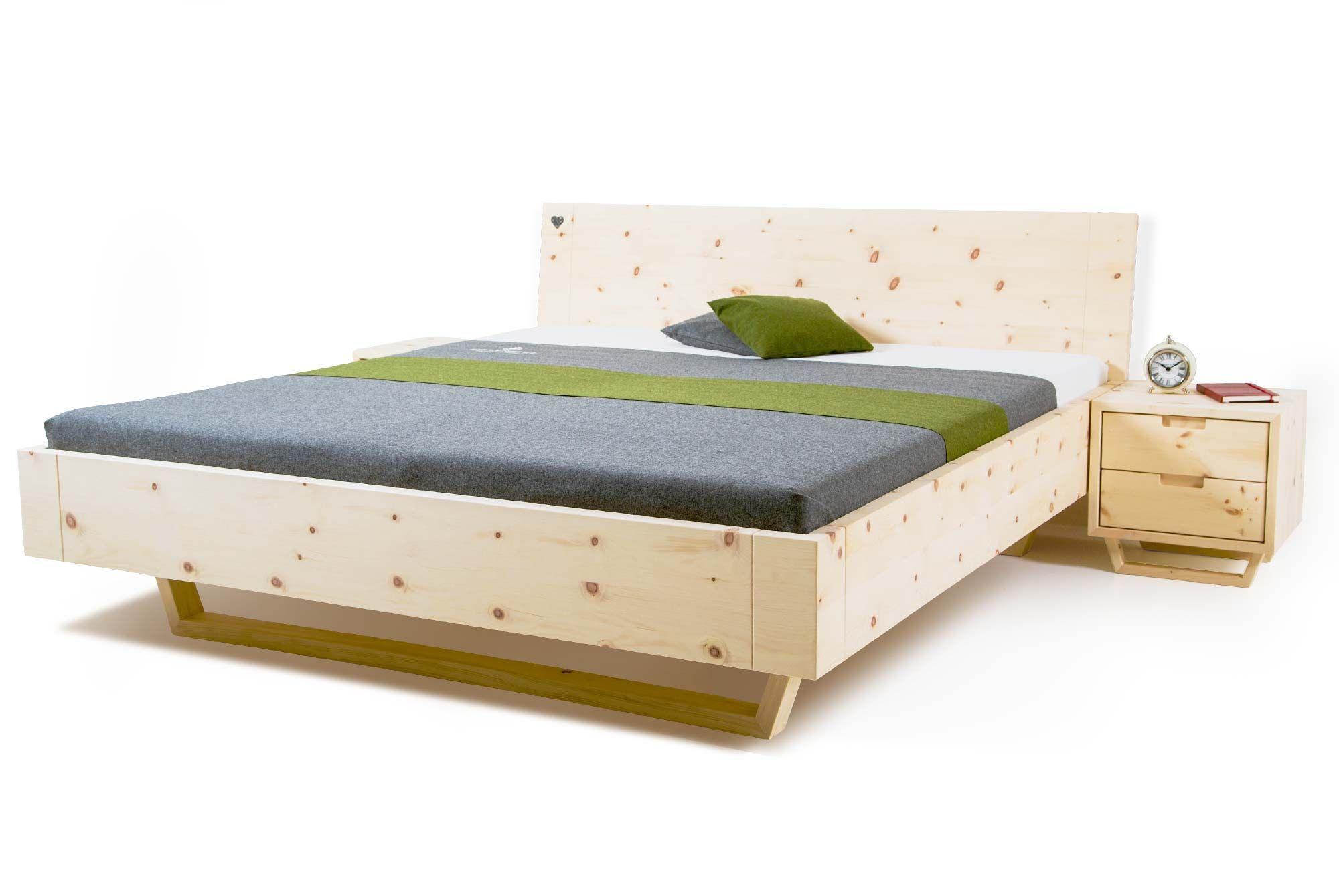 Ein Zirbenbett In Edlem Grau Modern Und Rustikal In Einem