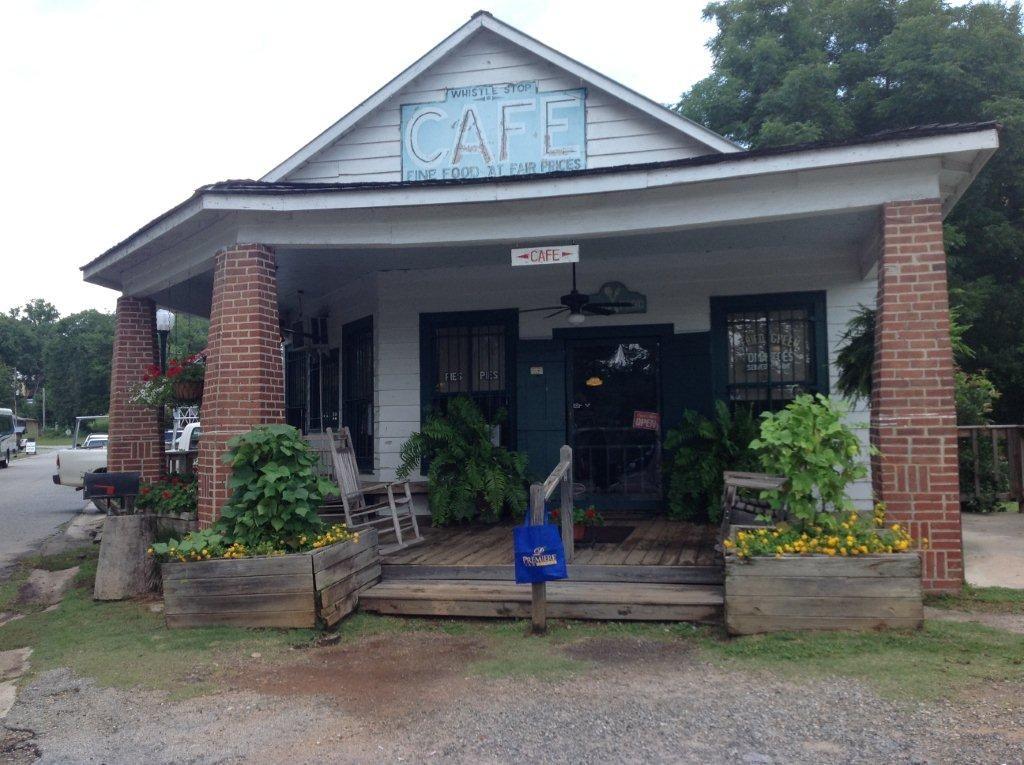 The Blue Bag visit\u0027s the Whistle Stop Café in Juliette, GA, famous