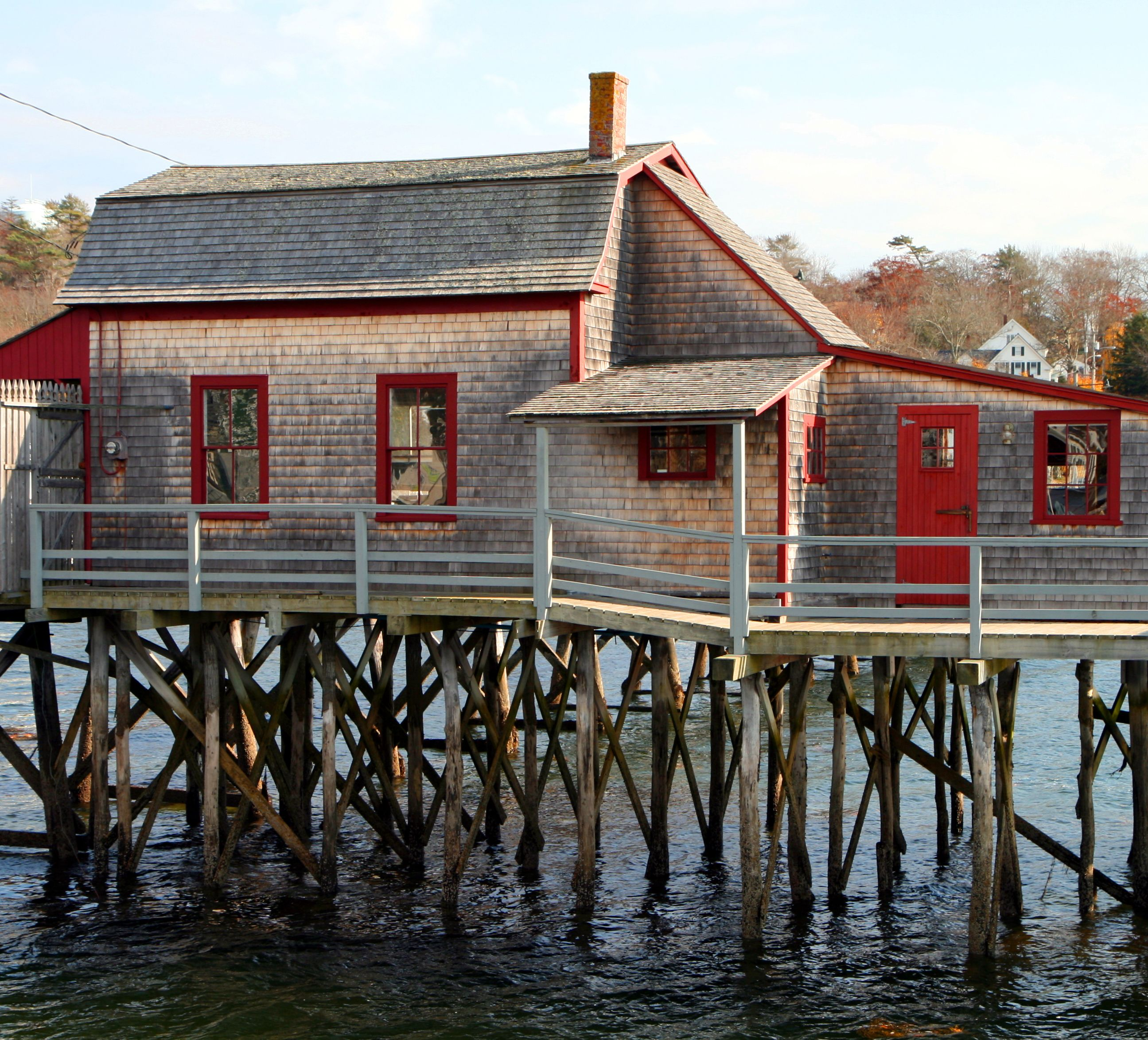 Hii is minutes from downtown boothbay harbor and the
