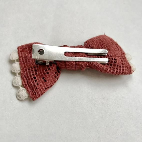 Bow Clip // Textured Cranberry (knotted)