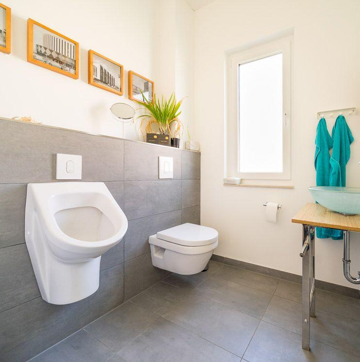 Badezimmer in modernem #Bungalow von ECO System HAUS Bauberichte - fliesen küche modern