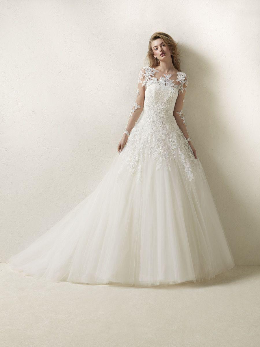Drisela | wedding dress | Pinterest | Princess wedding dresses ...