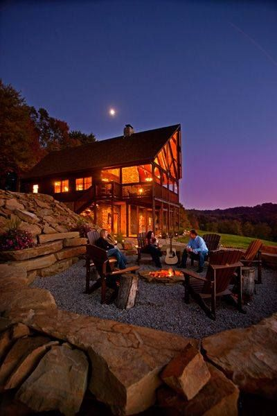 Rustic Lake House Interiors: Rustic Lake House Cabin - Love The Outdoor Fire Pit
