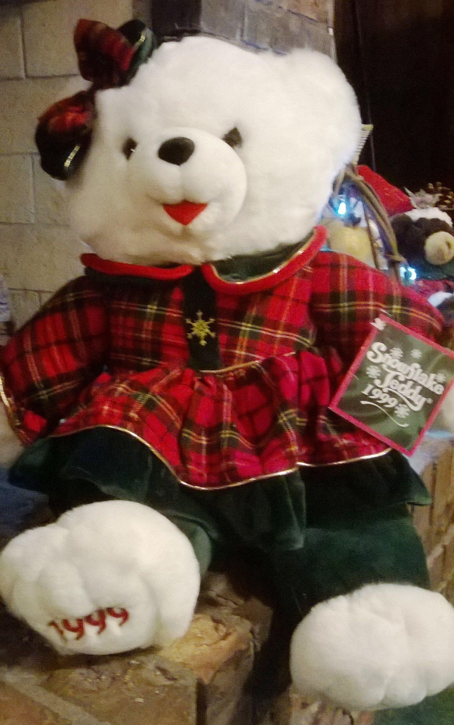 1999 Walmart Snowflake Teddy by DanDee Hello kitty plush