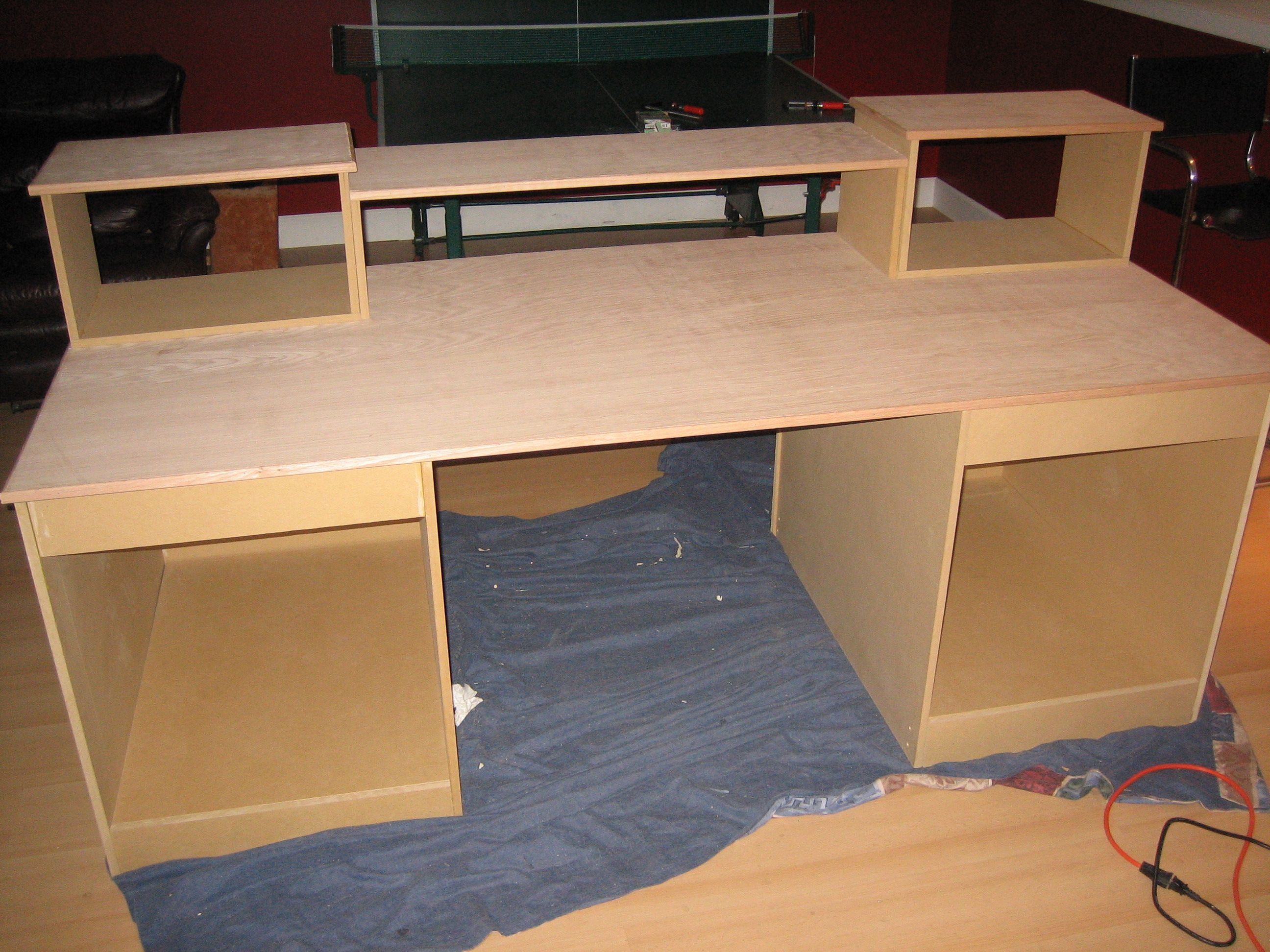 Building Your Own Diy Laptop Desk For A Home Office Can Offer You Additional Satisfaction And Spirit At Work Home Studio Desk Studio Desk Recording Studio Desk