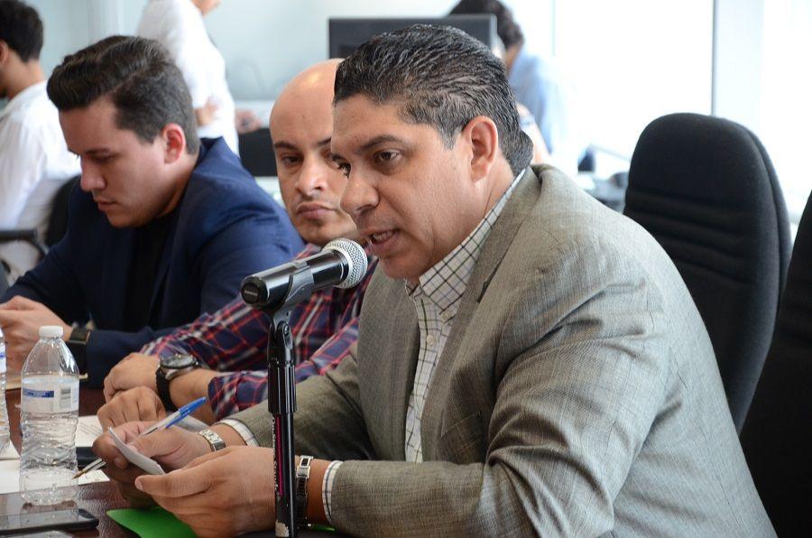 <p>- Exhortan a la Secretaria de Educación y Deporte a que se paguen prestaciones y derechos laborales<br /> <br /> Chihuahua, Chih.-