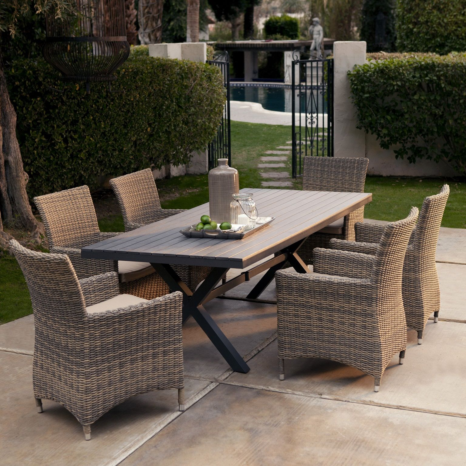 Resin Garden Table And Chair Sets: The Benefit Using Resin Patio Furniture For Your Lovely