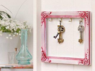 Manualidades y artesan as porta llaves ideas para el hogar pinterest diy y - Porta llaves pared ...