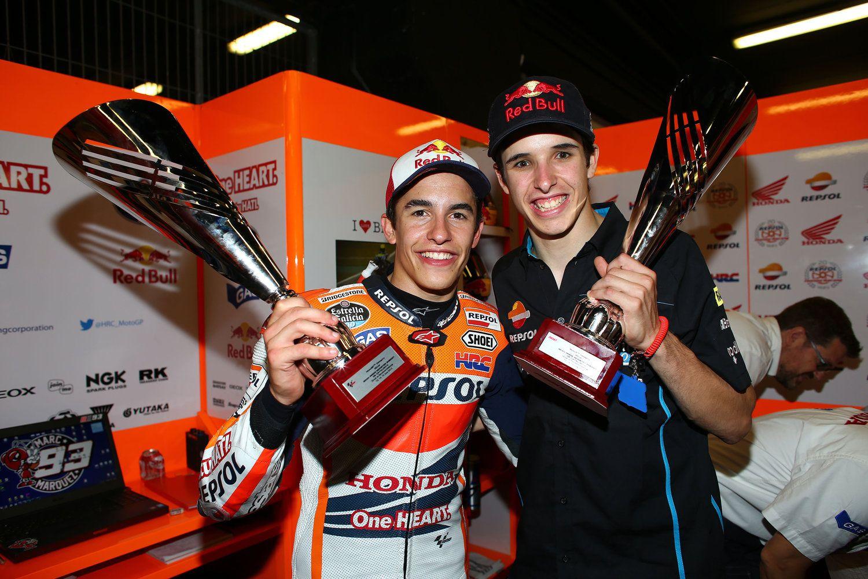 Marc e Alex vencem em suas respectivas categorias e escrevem uma nova página na história da MotoGP.
