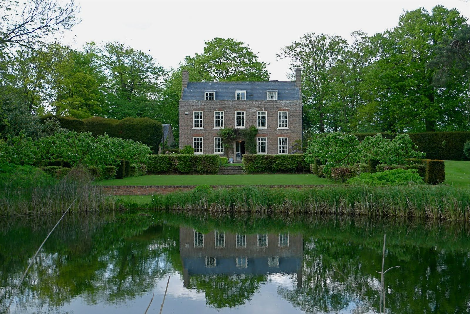 British country house via french essence i was seriously for French countryside house
