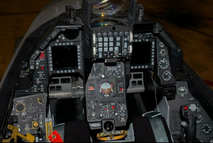 Lockheed-Martin F-16C Block 40 Fighting Falcon cockpit   All