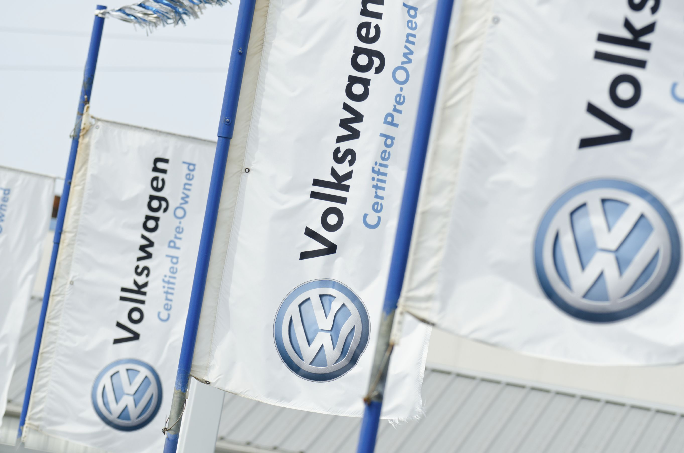 VW Dealer Chicago >> Six Vw Executives Charged By Justice Department Over