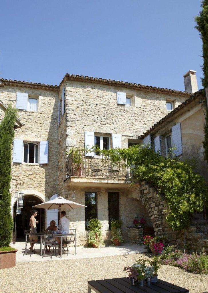 Niché en Provence, dans le hameau des Gros, à quatre kilomètres de - chambre d hotes aix en provence piscine