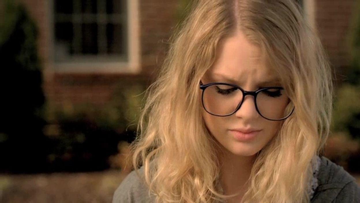 Taylor Swift Image Taylor Swift You Belong With Me Music Video Taylor Swift Images Taylor Swift Music Videos Taylor Swift