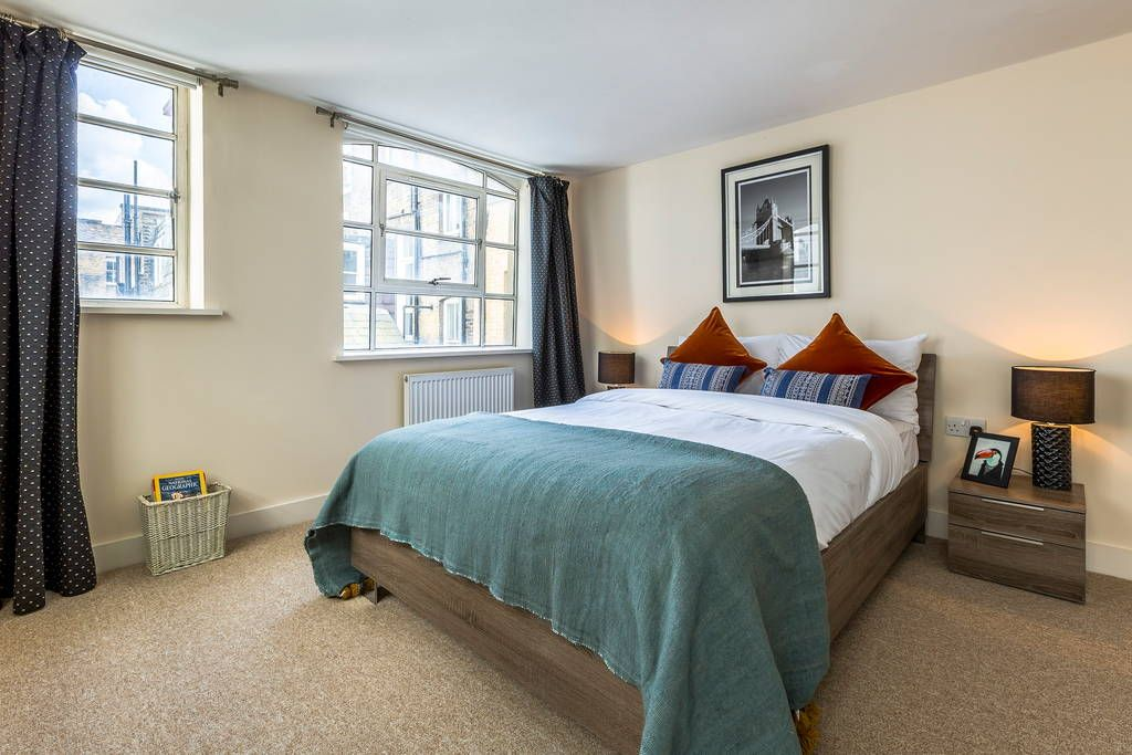 This Cute Little 2 Bedroom Flat Is Only 1 Minutes From Bond Street Tube Station Great Location But The Flat Is Quiet And P With Images Flat Rent Rent In London Home Decor