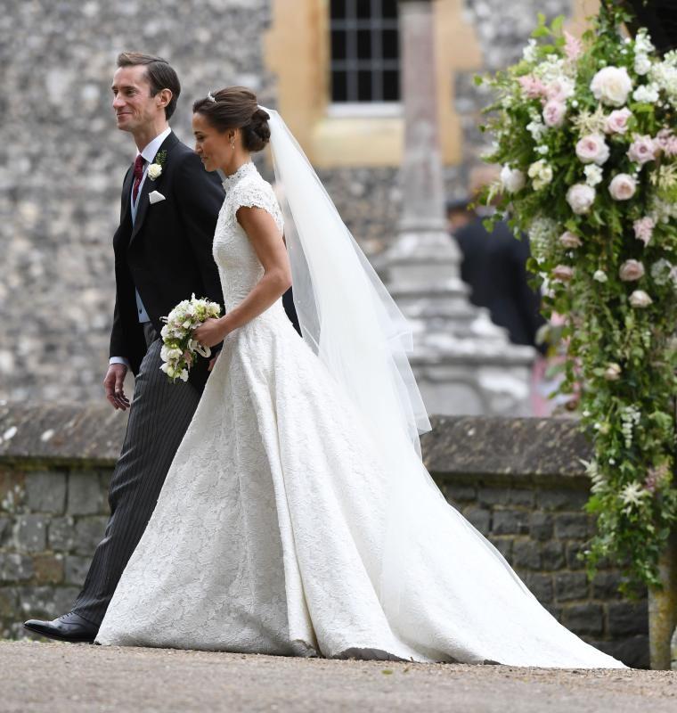 James Matthews And Pippa Middleton Pippa Middleton Marries James Matthews The B Pippa Middleton Wedding Wedding Dress Pictures Pippa Middleton Wedding Dress