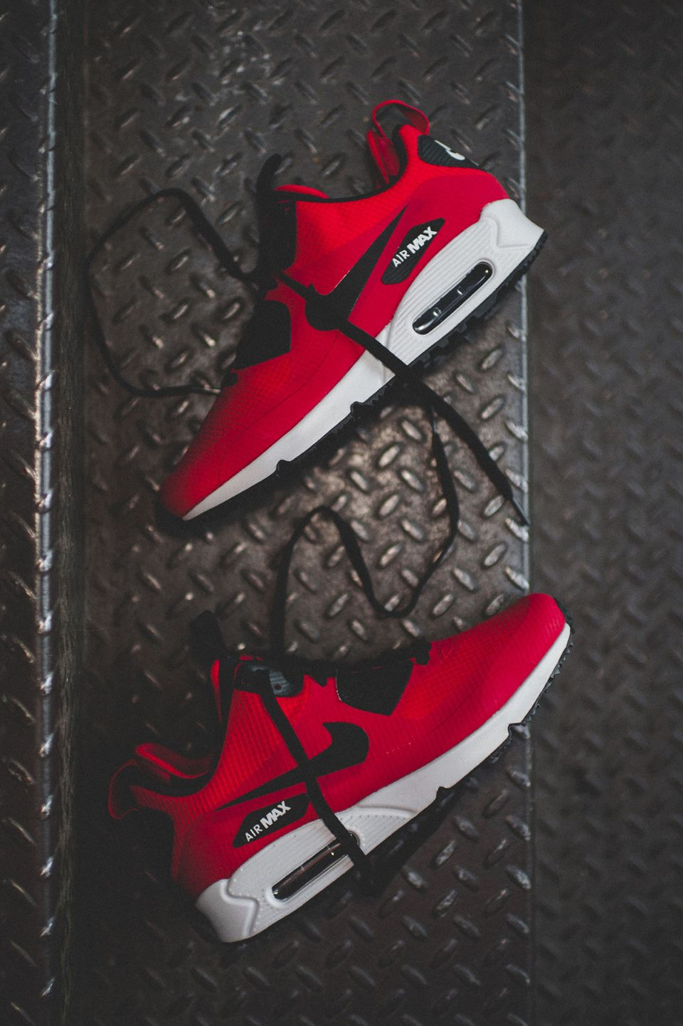 Nike Air Max 90 Mid Winter 'Gym Red' (via Kicks-daily.