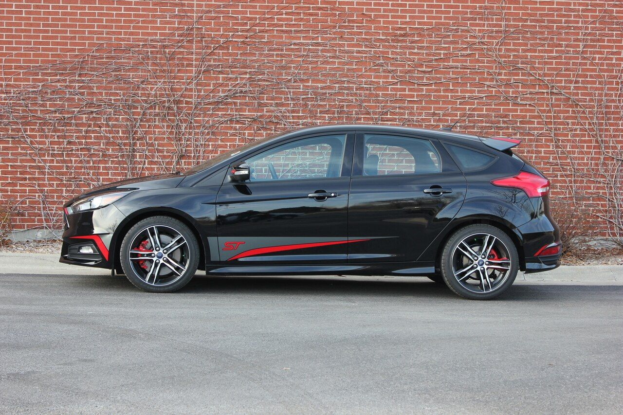 Ford Focus St Side Decals Blade 2 Color 2015 2016 2017 2018 Premium Auto Striping Ford Focus Vinyl Graphics Ford Focus St
