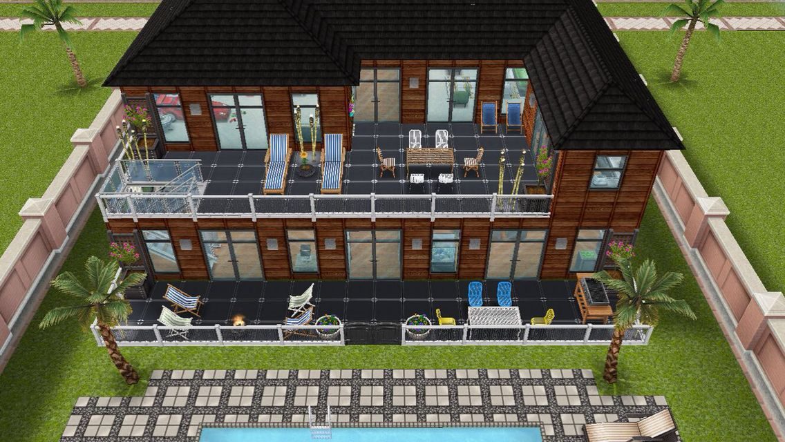 Rear exterior view of the James family home - in my Sims Freeplay ...