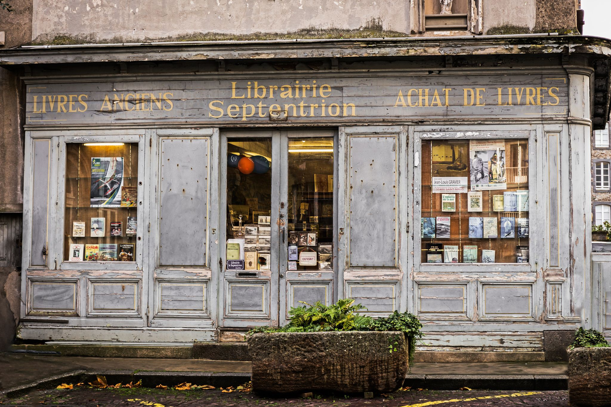 bookstore by williamhosten on 500px Saint-Malo