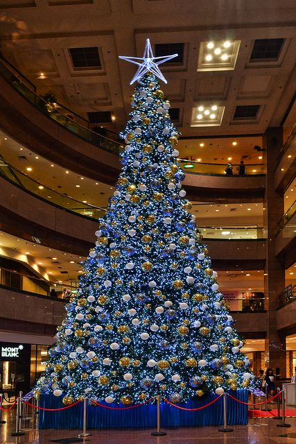 A Warm Christmas Doesn T Feel Right But This Tree Certainly Makes It Feel More Like Christmas In Singapore Christ In 2020 Warm Christmas Christmas Tree