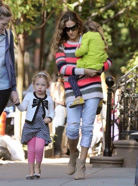 Sarah Jessica Parker Walks Her Girls to School 17-9-2013