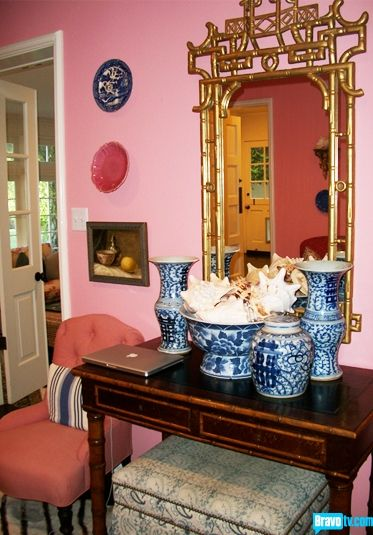 Pink paired with Ming Dynasty blue-and-white provide unexpected yet ...