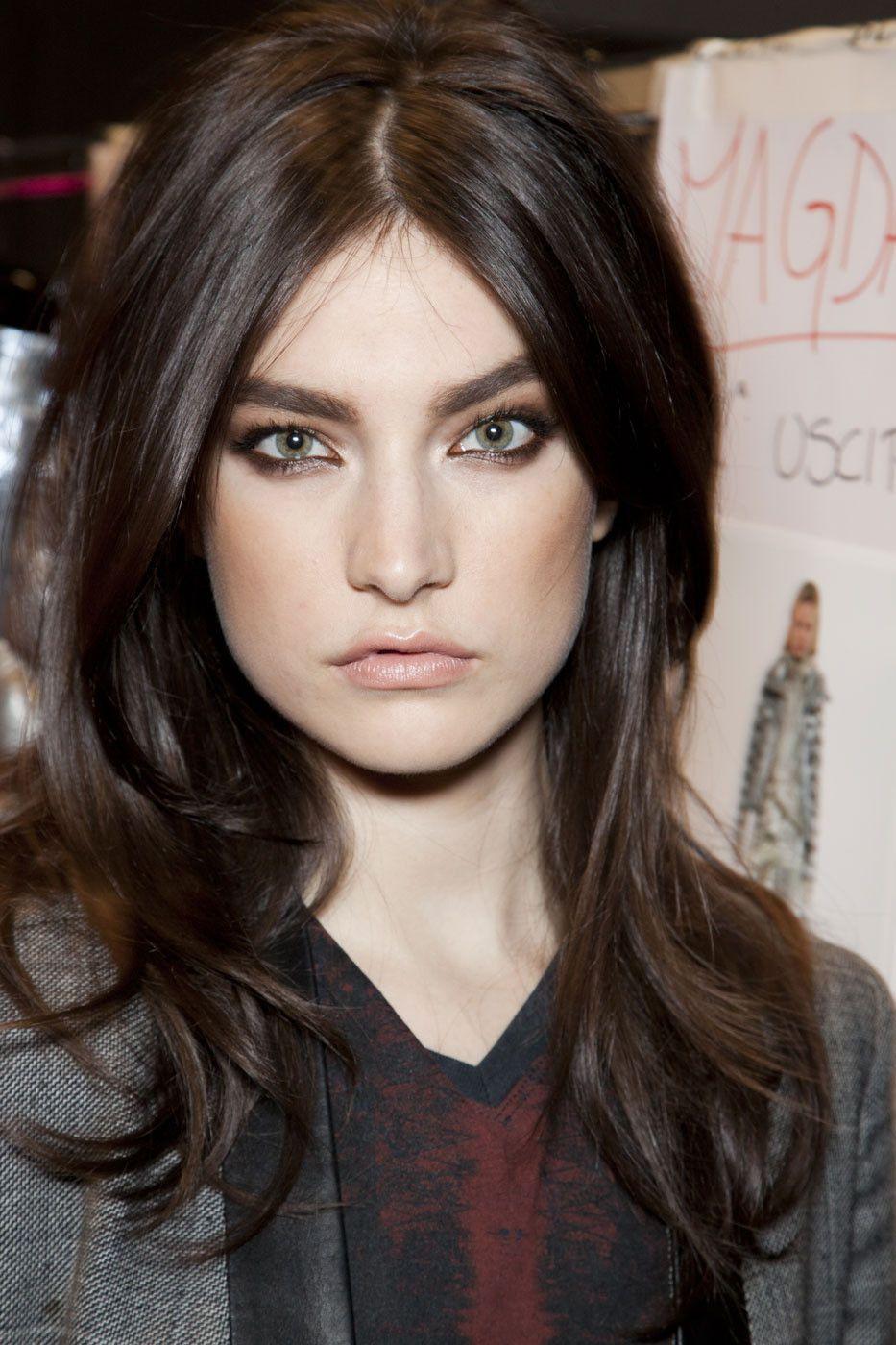 Jacqueline Jablonski - Layered Mid-Length Hairstyle | Hair styles ...