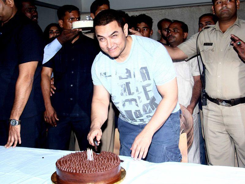 I Feel Very Privileged: Aamir Khan http://www.ndtv.com/video/player/news/i-feel-very-privileged-aamir-khan/359799