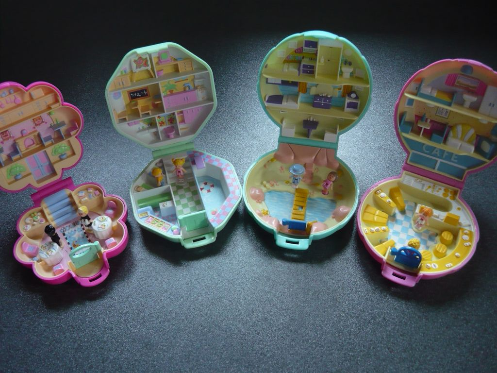 A selection of Polly Pocket toys