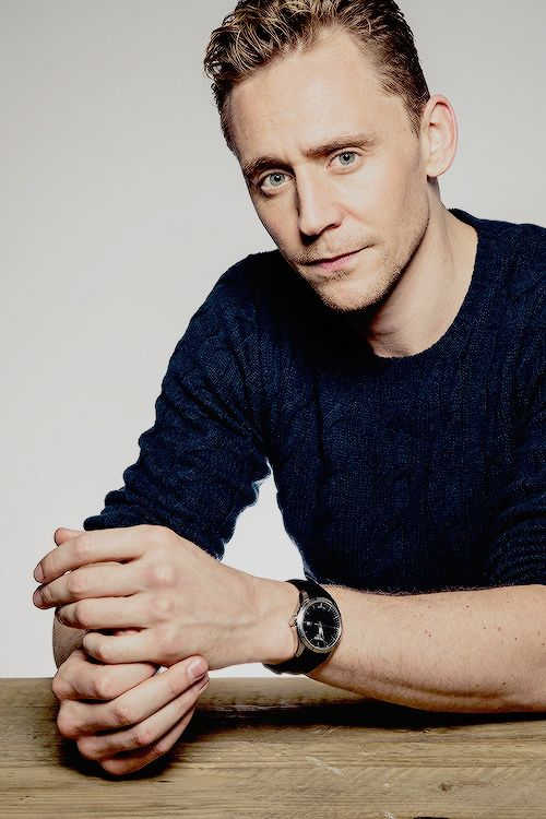 Pin by Hannah Baum on Tom Hiddleston Tom hiddleston, Tom