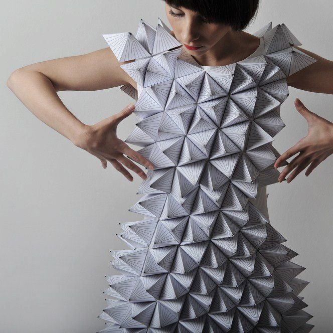 Fashion art poustouflantes robes en papier glose - Robe en origami ...