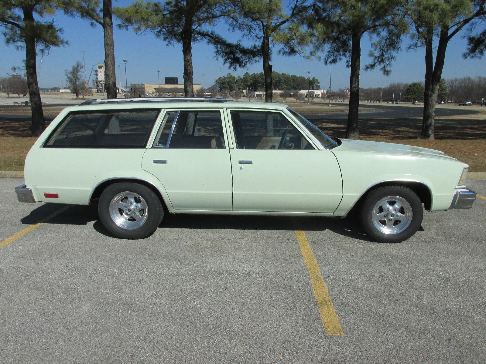 Chevrolet malibu classic estate wagon 4 door 1979 chevrolet malibu classic estate station wagon g