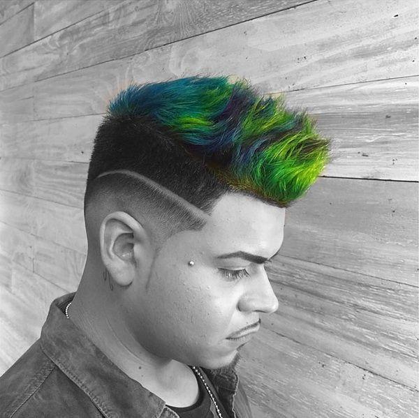 Multi Color Spikes Männliche Frisur Männliche Frisuren