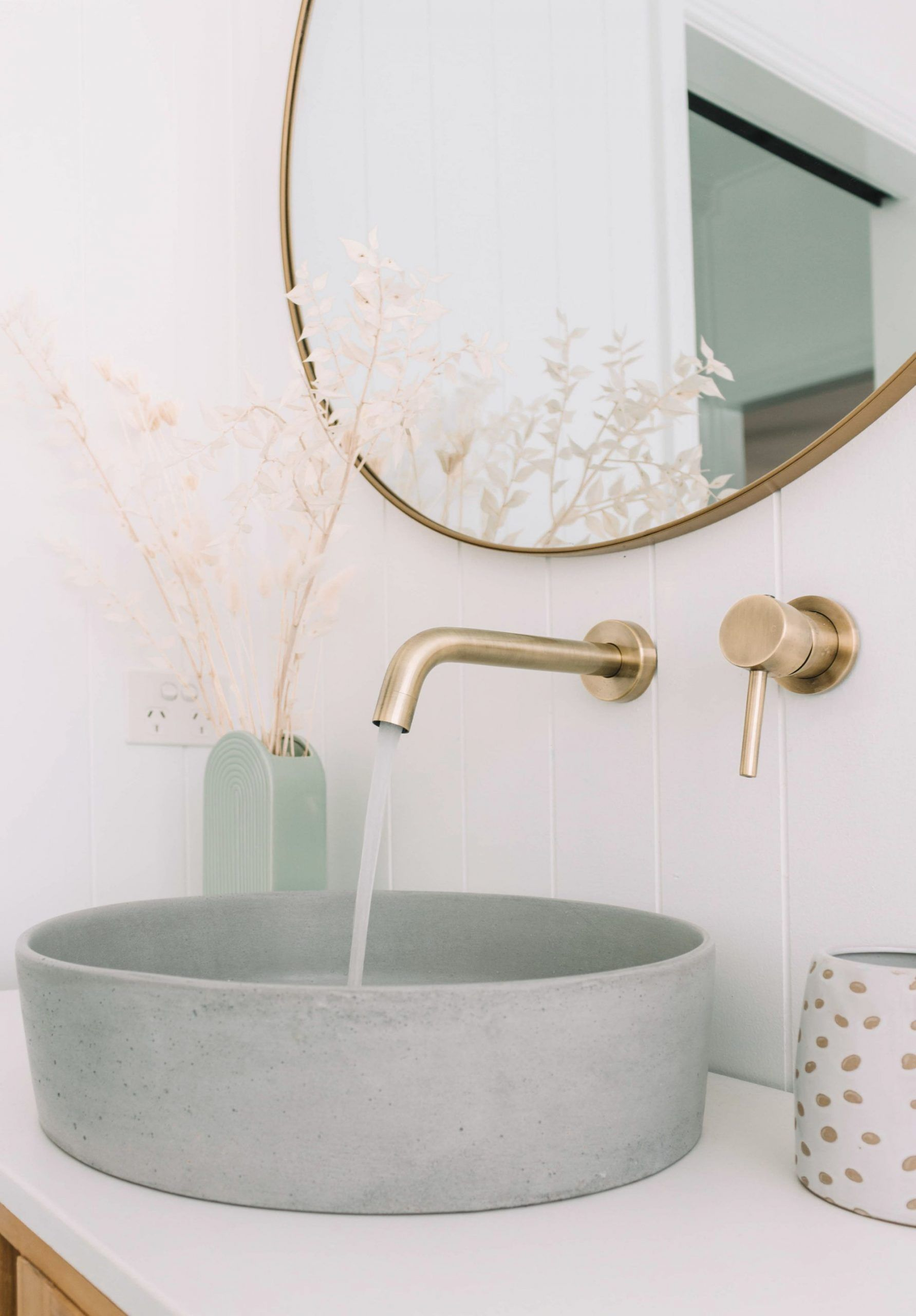 This Powder Bath is so trendy and so cool I just can't get over it! #Inspiration... - Welcome to Blog