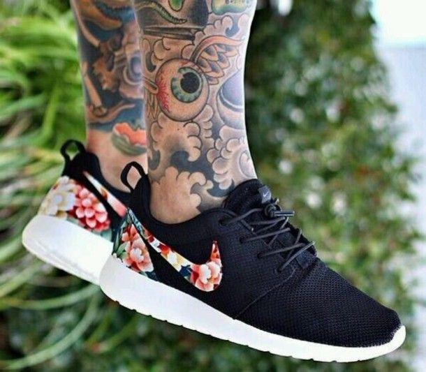 Nike Roshe Run Womens Floral
