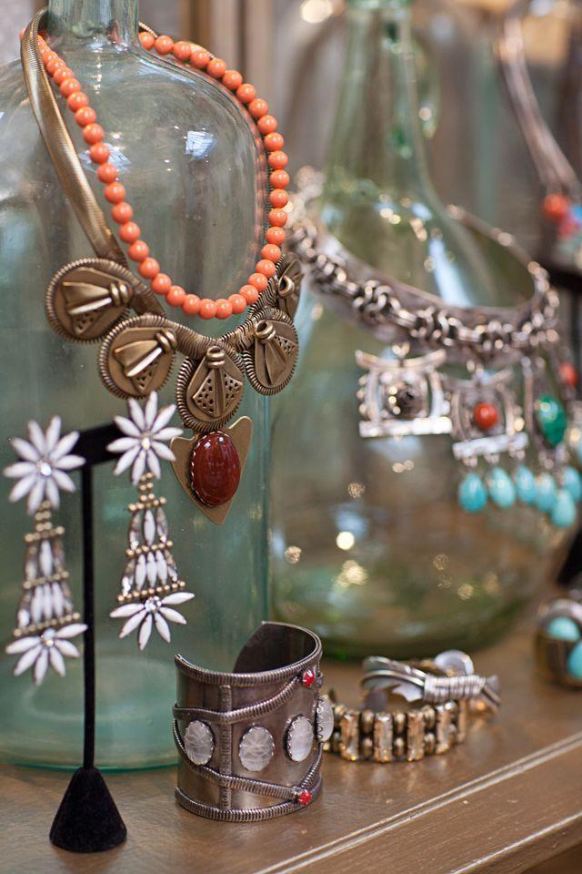 use jugs to display jewelry