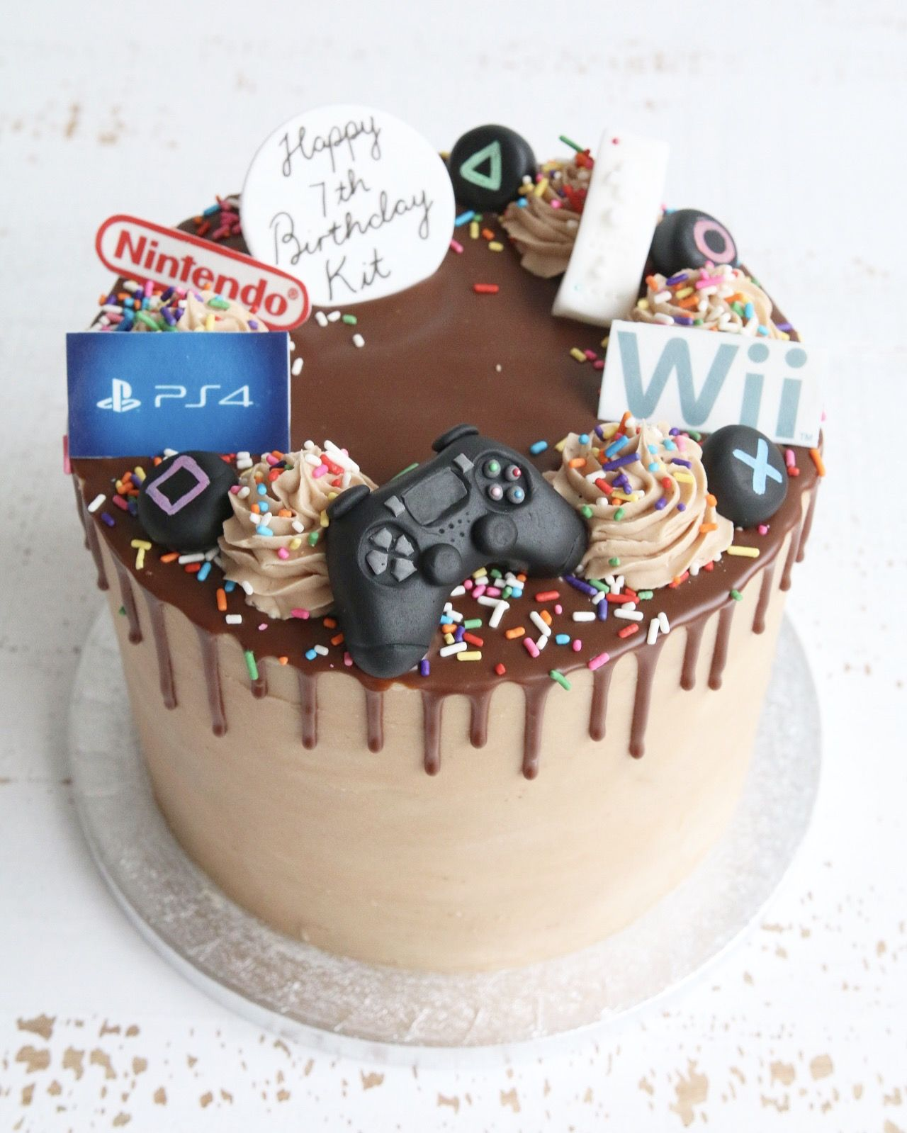 Buttercream drip cakes in 2020 drip cakes playstation