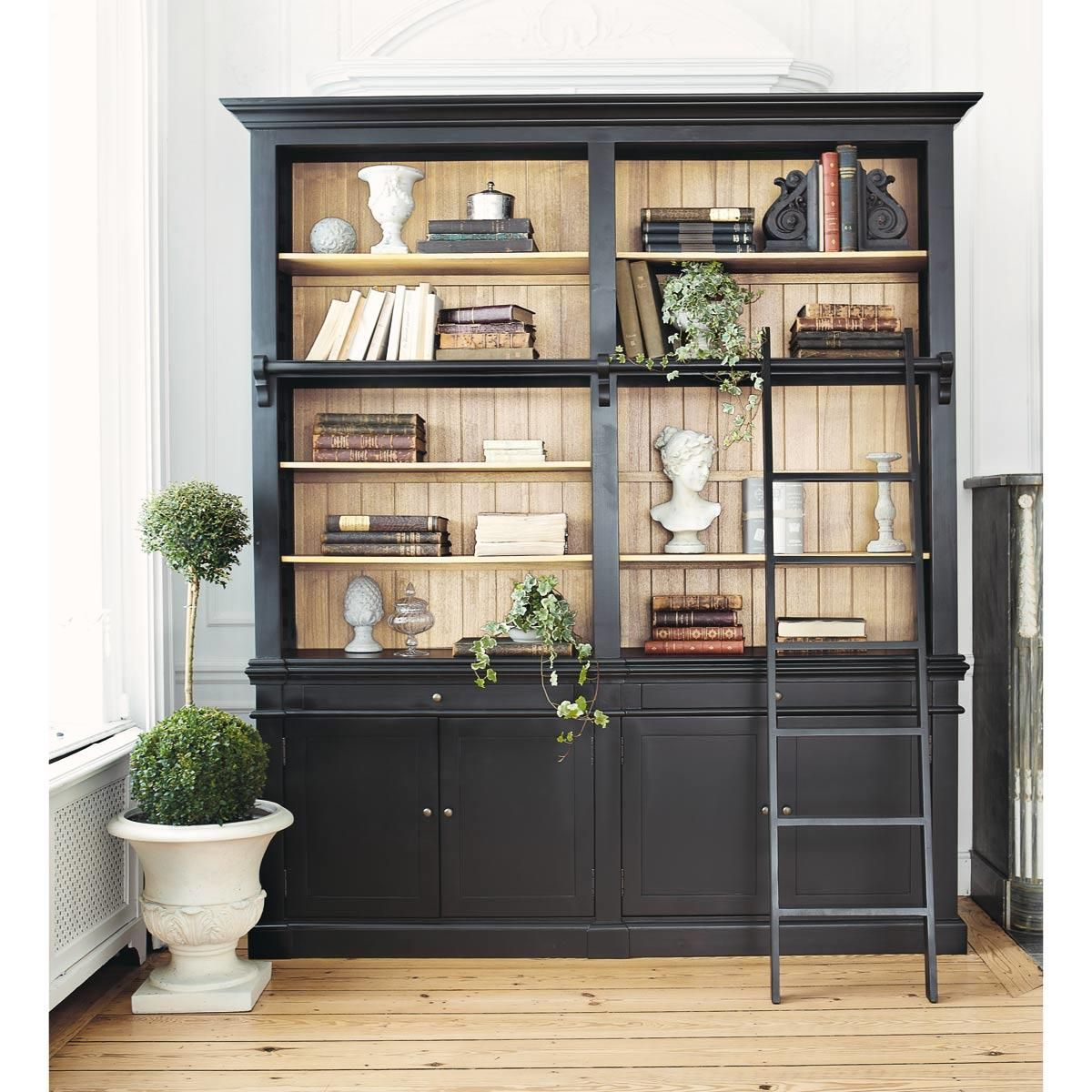 biblioth que avec chelle en pin massif noir biblioth que avec chelle chelles en bois et. Black Bedroom Furniture Sets. Home Design Ideas