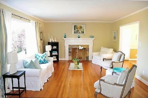 Split level renovation ideas love the shiplap in the for Split level living room design